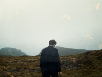 tourist - axel flovent - Iceland - indie music - indie pop - indie - indie folk - new music - music blog - wolf in a suit - wolfinasuit - wolf in a suit blog - wolf in a suit music blog