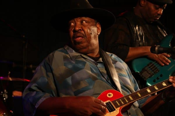 magic slim 2010.03.21 copyright dietmar hoscher 21 e1550145071475