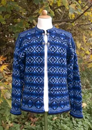 Knitting pattern and materials for cardigan