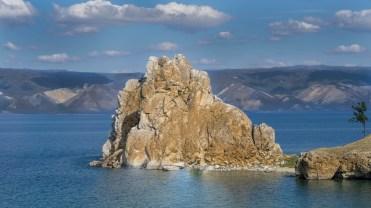 Heiliger Schamanenfelsen auf der Insel Olchon