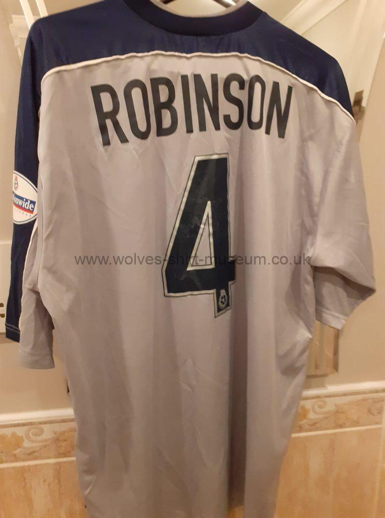 2001-2002 match issued Wolves  Carl Robinson