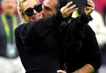 Леди Гага отметила день рождения в компании нового возлюбленного и знаменитых друзей