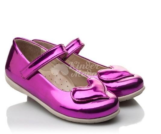 Детская обувь для зимы и лета