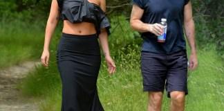 Леди Гага отправилась в поход на каблуках