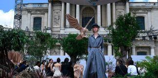Dior отмечает юбилей масштабной выставкой и показом новой коллекции