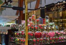 Роза под стеклянным куполом, зелёные букеты и другие цветочные тренды 2018