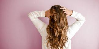 Уход за волосами: 6 бюджетных лайфхаков на каждый день