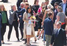 Белое платье, коалы-тёзки и серьги принцессы Дианы: первый день королевского тура в Австралии
