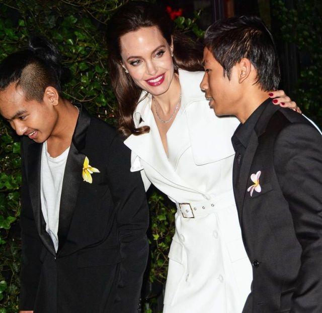 Анджелина Джоли ищет в Корее университет для сына