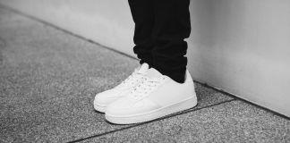 Как убрать морщины на кроссовках?