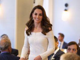 Платье Кейт Миддлтон ввело поклонников в заблуждение