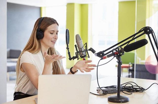 Jenis Konten Podcast yang Bisa Buat Waktumu Jadi Lebih Bermanfaat_WI.jpg