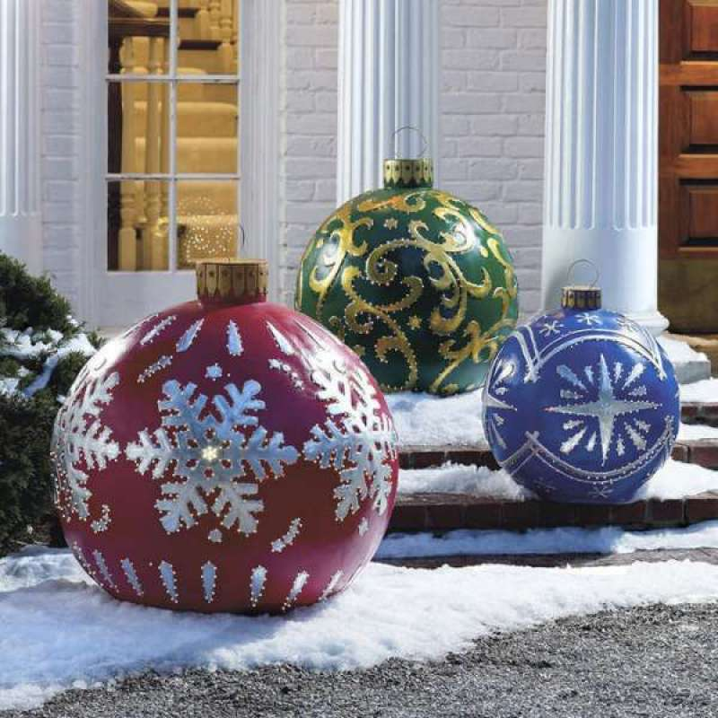 Exterior-Christmas-Decorating-Ideas-06-outdoor-Lighted-Christmas-Ornaments