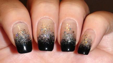 black-silver-glitter-gradient-nail-art-432x242