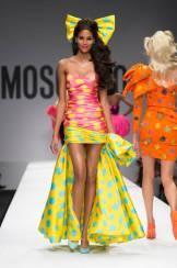 Moschino+Spring+2015+PMpVA2uPQqBl