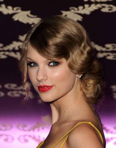 Taylor+Swift-ρετρό χτενισματα-woman-oclock (3)