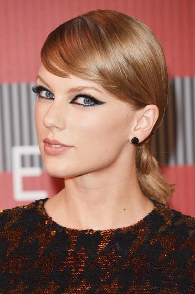 Taylor+Swift+Long+Hairstyles+Ponytail+6I8elWy2VQWl