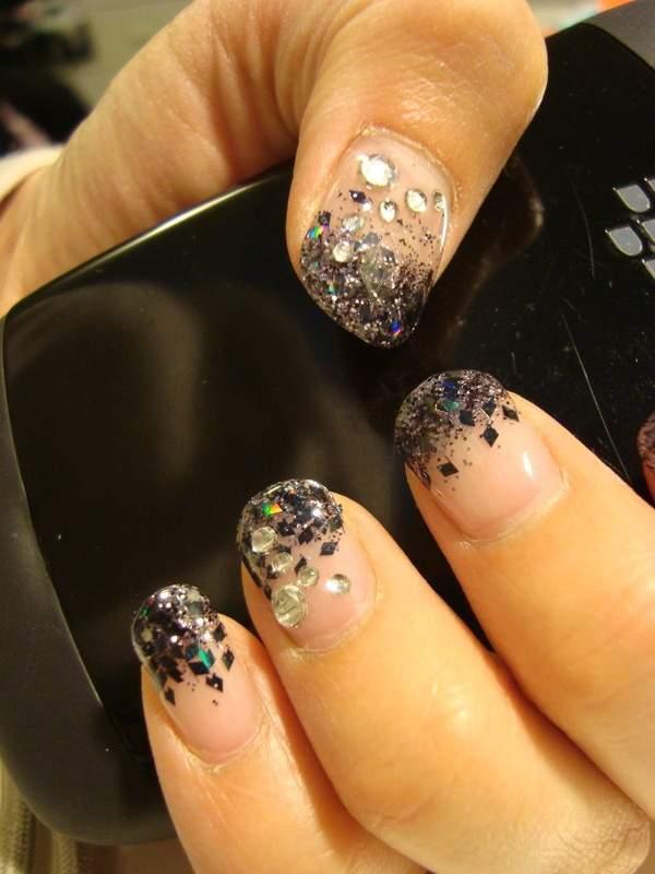 Black-Glitter-Nails1