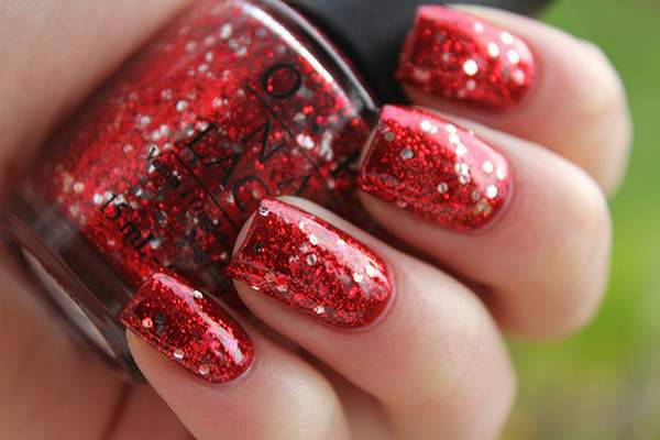 glitter-nails-red-shiny-sparkles-Favim.com-362501