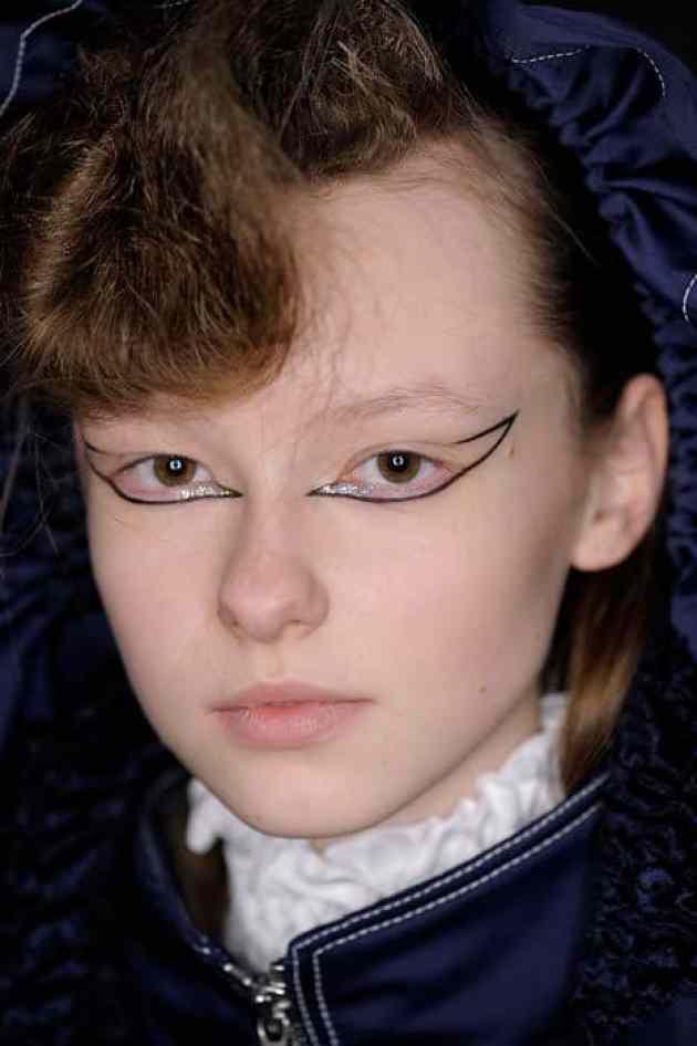 eyeliner γραφικο