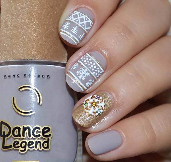 holiday_nail_art_designs_ideas_christmas_nails44