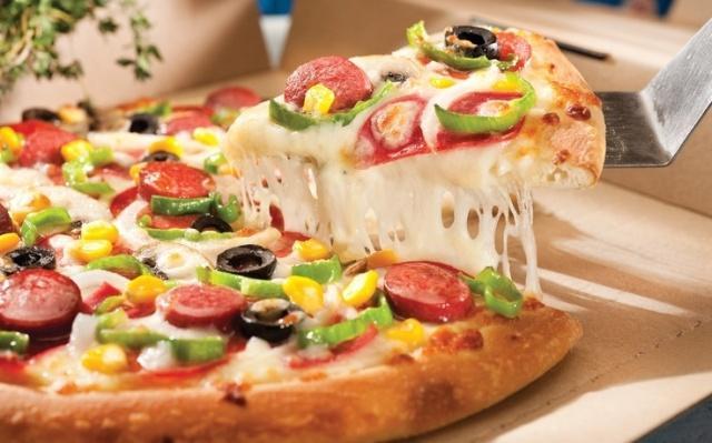Πόσες Θερμίδες έχει η Αγαπημένη σας Πίτσα;