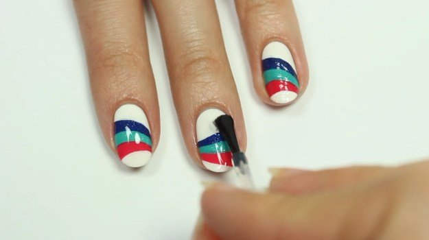 Πως να Πετύχεις το Wavy nail art της Essie