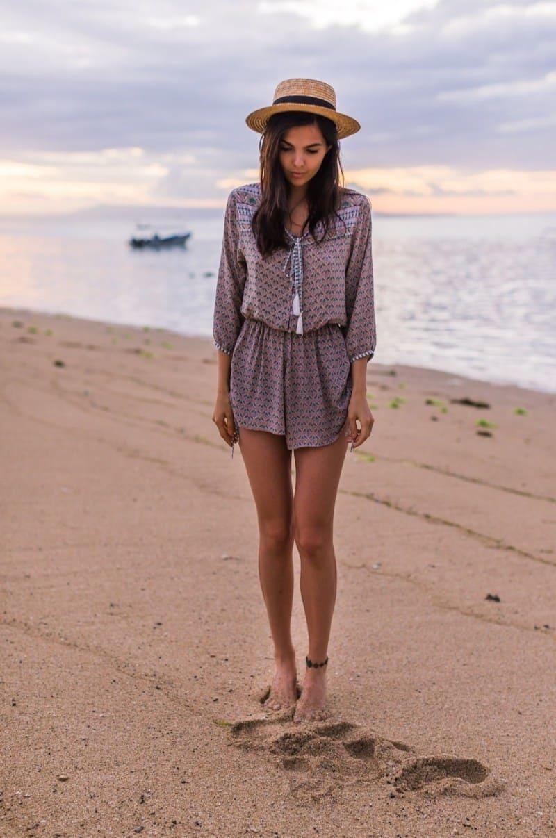 15 Outfits με Σορτς για την Παραλία