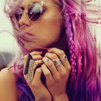 Ροζ μοβ μαλλιά