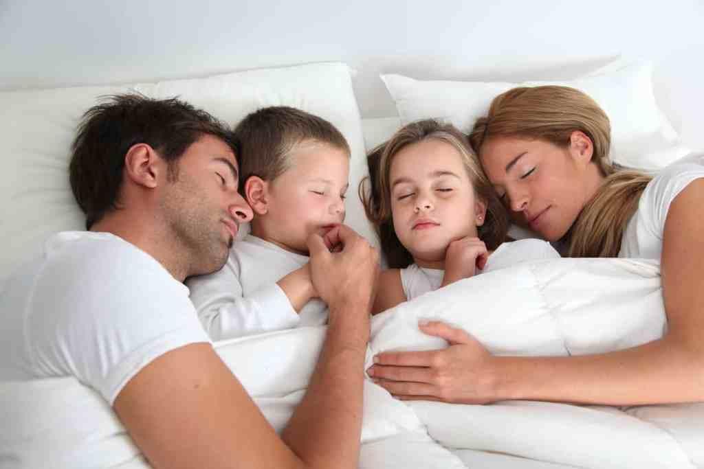 hotel-bantry-family-sleeping