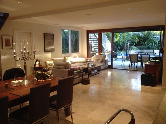 -House_interior_dining_living
