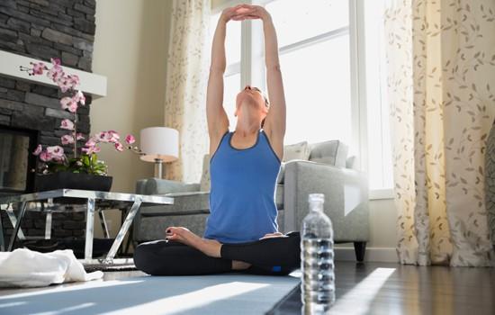 yoga_lady_home