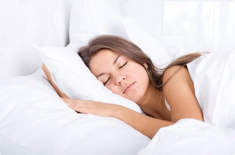 mattress-ecosa-sleep-woman