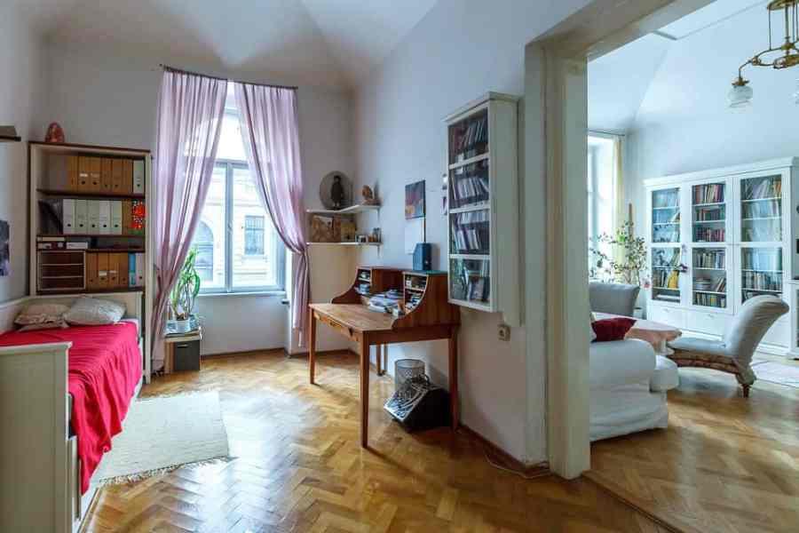 bedroom-527645_960_720