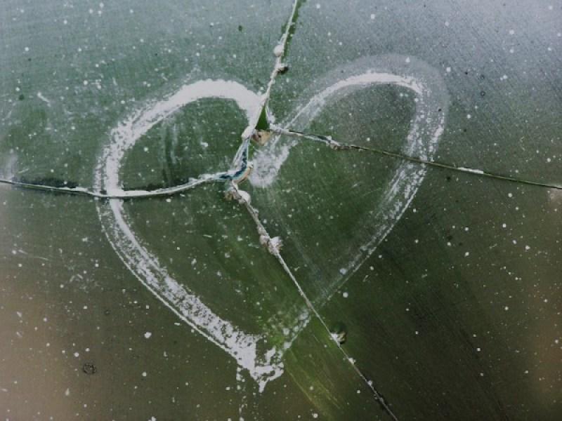 broken heart-pieces-domestive-violence-myer-salvos