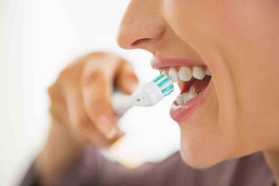 oral health brushing teeth
