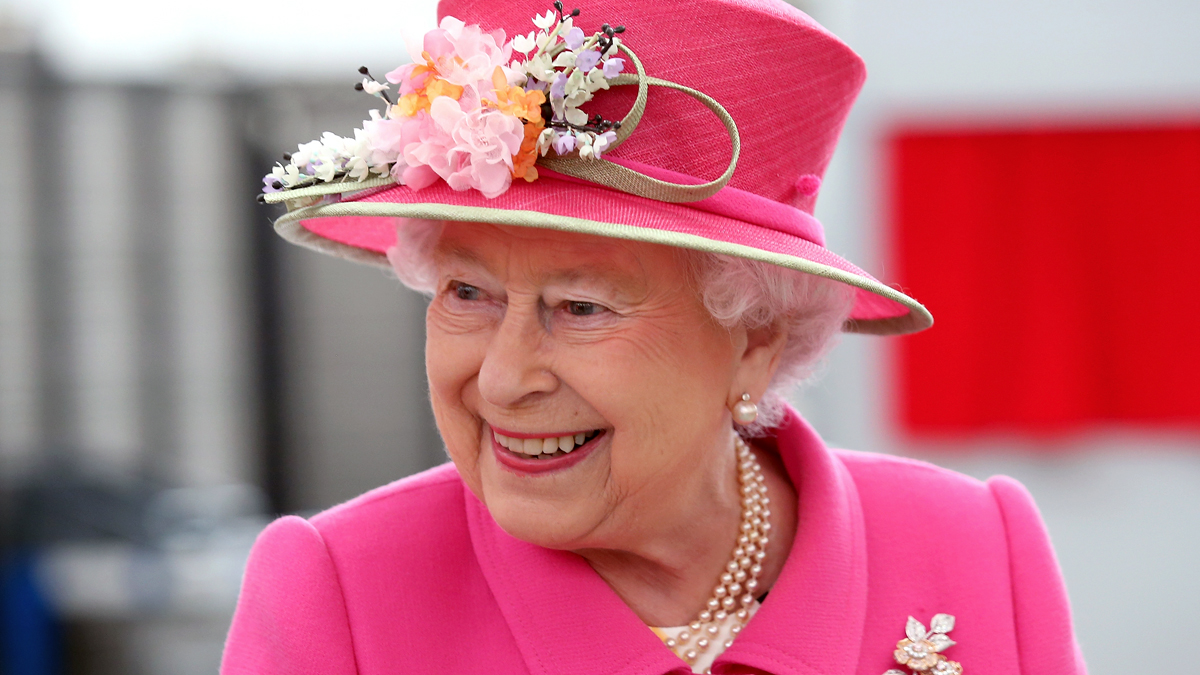 How To Make Queen Elizabeth S Favorite Cake Woman S World