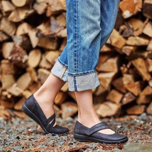 נעלי EASY SPIRIT