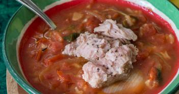 מרק טונה ועגבניות עם קוואקר
