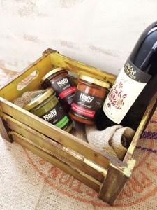 מארז ממרחים ויין של נאני