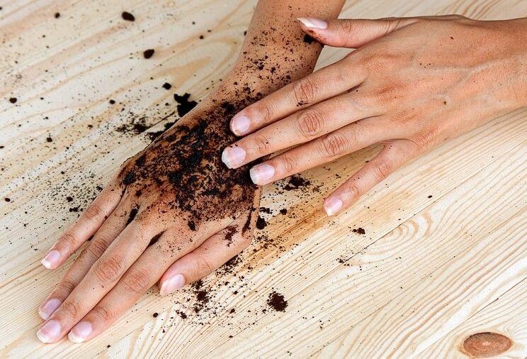 טיפים לטיפוח קיצי מושלם -בעזרת קפה