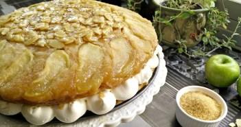 עוגת תפוחים וקרמל טבעונית עם קרם וניל