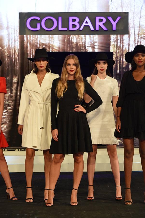 אסתי גינצבורג בתצוגת האופנה של גולברי