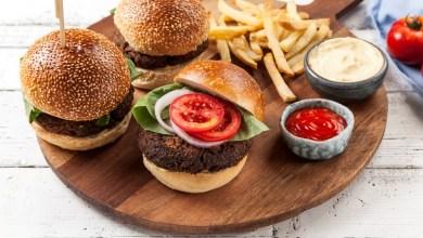 Photo of המבורגר צמחוני משעועית אדומה ופטריות