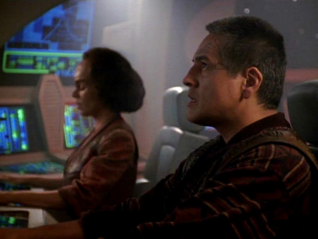 Chakotay and B'Elanna flying a Maquis ship