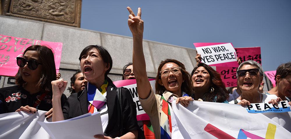 North Korean and South Korean women's groups