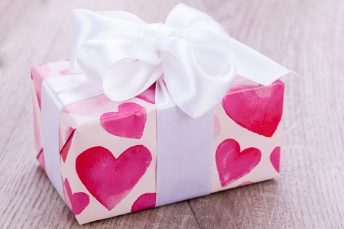 Best Valentine\'s Day Gift Ideas for Girls - Women Fitness Magazine