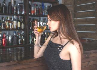 5 Reasons People Get Addicted to Drugs and Alcohol