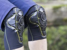 How To Choose The Best Knee Pads, best knee pads for flooring installers, knee pads for flooring professionals, pro knee flooring knee pads, best knee pads for plumbers, platinum knee pads, patella t knee pads, best knee pads for roofing, best knee pad inserts,