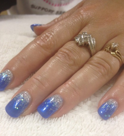 Elegant blue gel nail design